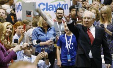 Warren Buffett Says Berkshire 'Fine' With Trump or Clinton