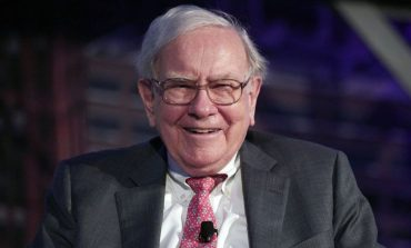 Apple Raises One Billion Funding From Warren Buffett Led Company Berkshire Hathaway