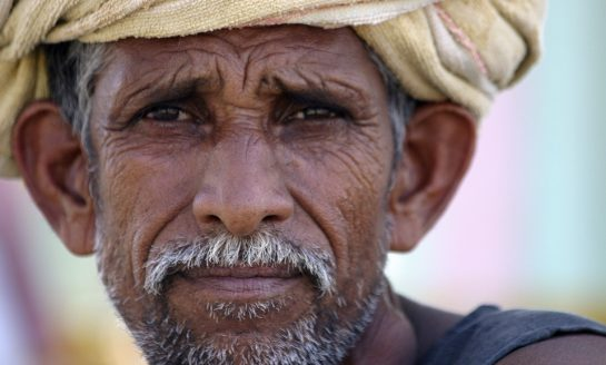 How Frequent Powercuts in Uttar Pradesh Makes Farmers Helpless To Use Kisan Apps