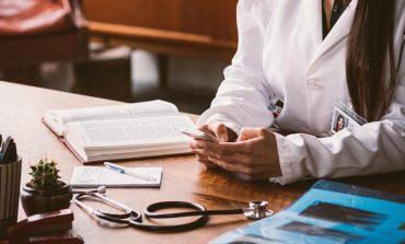 UK Doctors Using WhatsApp, Snapchat to Share Patient's Data