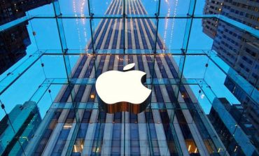 Apple to Become First $1 Trillion Company Soon Beating Amazon
