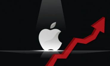 Apple Becomes the First US Company to Hit $1 Trillion Market Cap