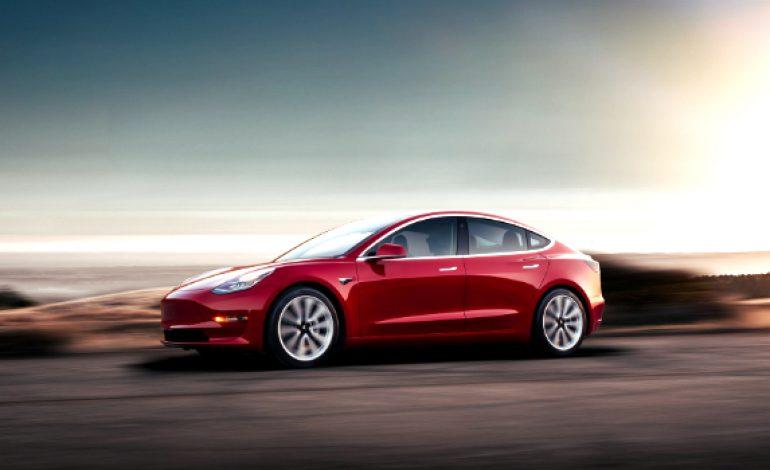 Tesla Rolls Out a Cheaper, Mid-Range Model 3